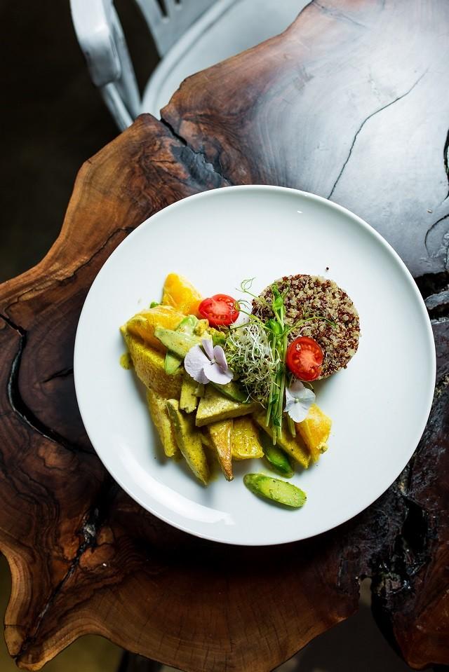 Обновленное меню от ZELYONKA: natural wine и блюда с Beyond Meat - галерея №1 - фото №2