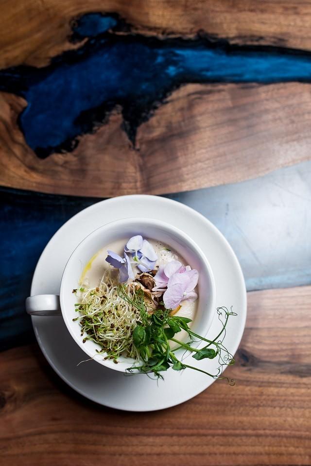 Обновленное меню от ZELYONKA: natural wine и блюда с Beyond Meat - галерея №1 - фото №1