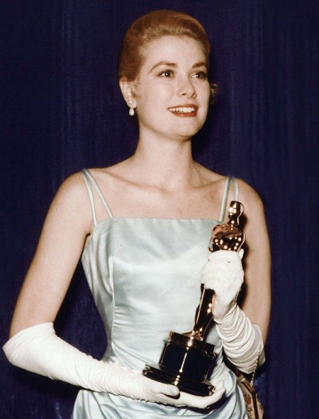 В преддверии Оскара: обзор лучших нарядов в за всю историю (ФОТО) - фото №4